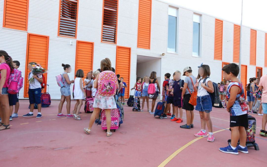 Los colegios públicos de l'Alfàs se adaptan con normalidad al nuevo horario escolar