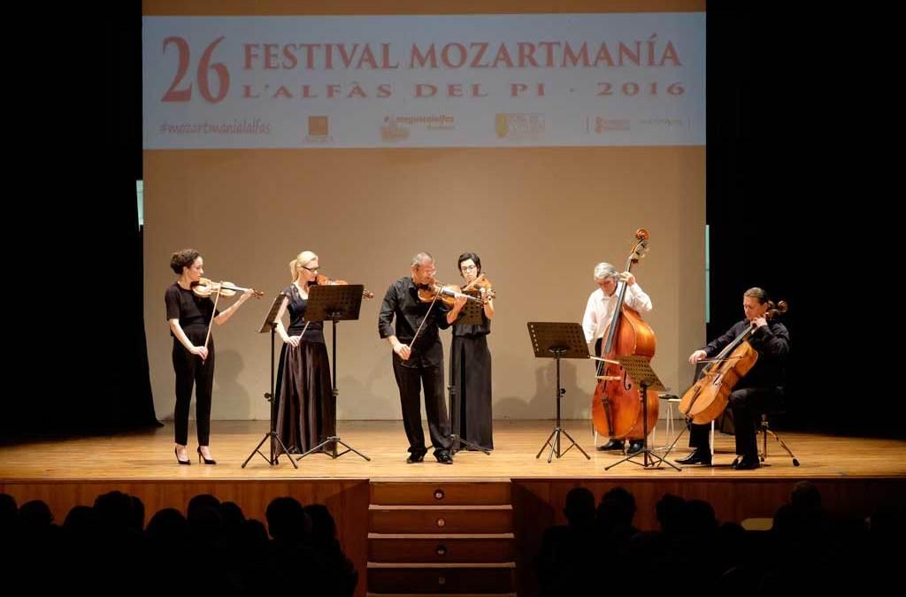 Más de 200 personas asisten al concierto de Kammer Philharmonie Köln en el Festival Mozartmanía de l'Alfàs
