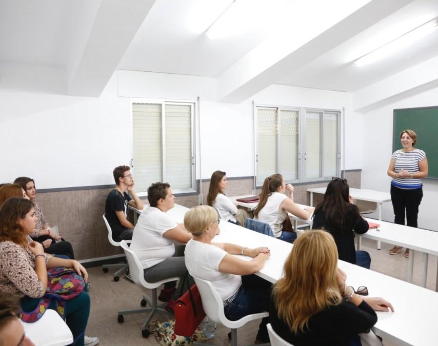 Educación pone en marcha el curso de preparación para la prueba libre del graduado de secundaria