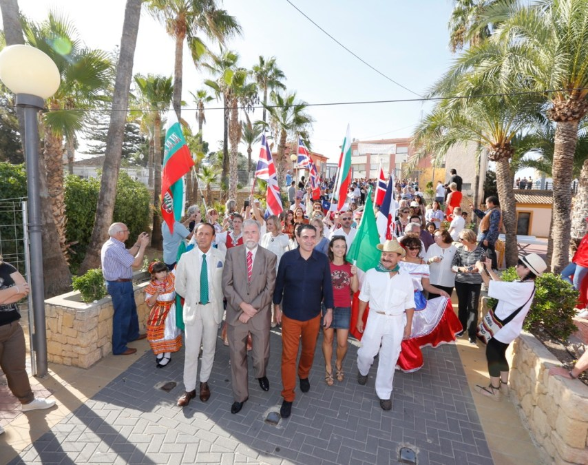 Más de 5.000 personas participan en el noveno Día Internacional de l'Alfàs