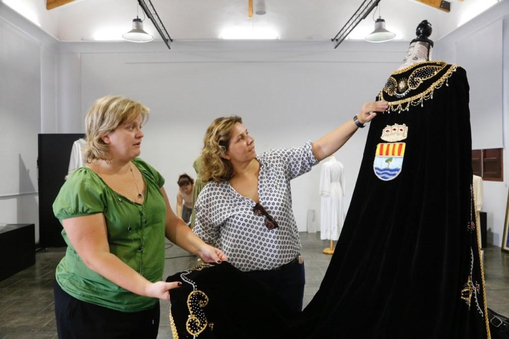 La historia de un pueblo en fiestas llenará el Espai Cultural Escoles Velles con la exposición 'Memòria de les nostres festes'