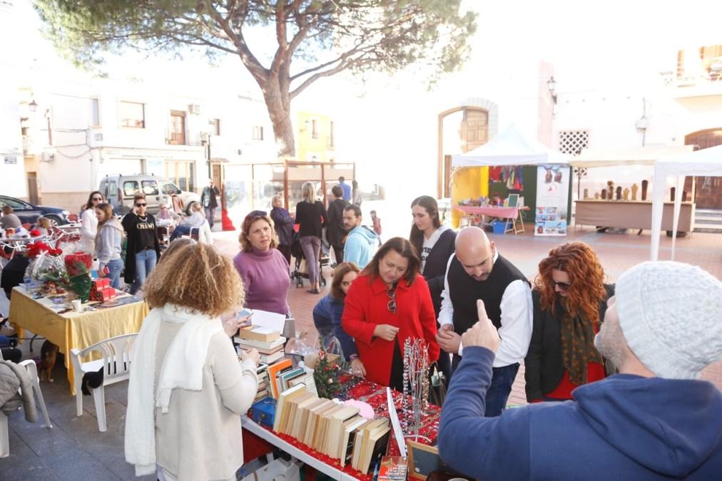 Fira de Nadal en la plaza Mayor con el décimo Festival Jajaja Risas Navideñas