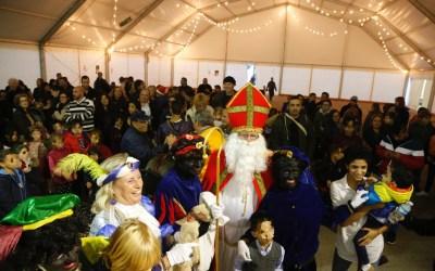 San Nicolás ya está camino de Centroeuropa cargado de naranjas y regalos tras despedirse de los niños alfasinos
