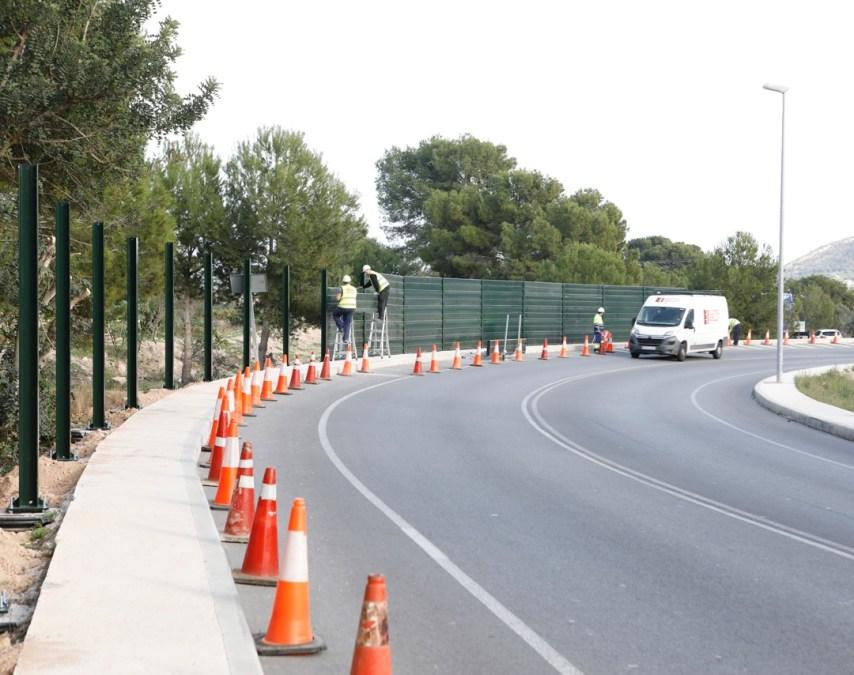 L'Alfàs del Pi insonoriza 150 metros de la entrada al municipio para evitar molestias a los vecinos