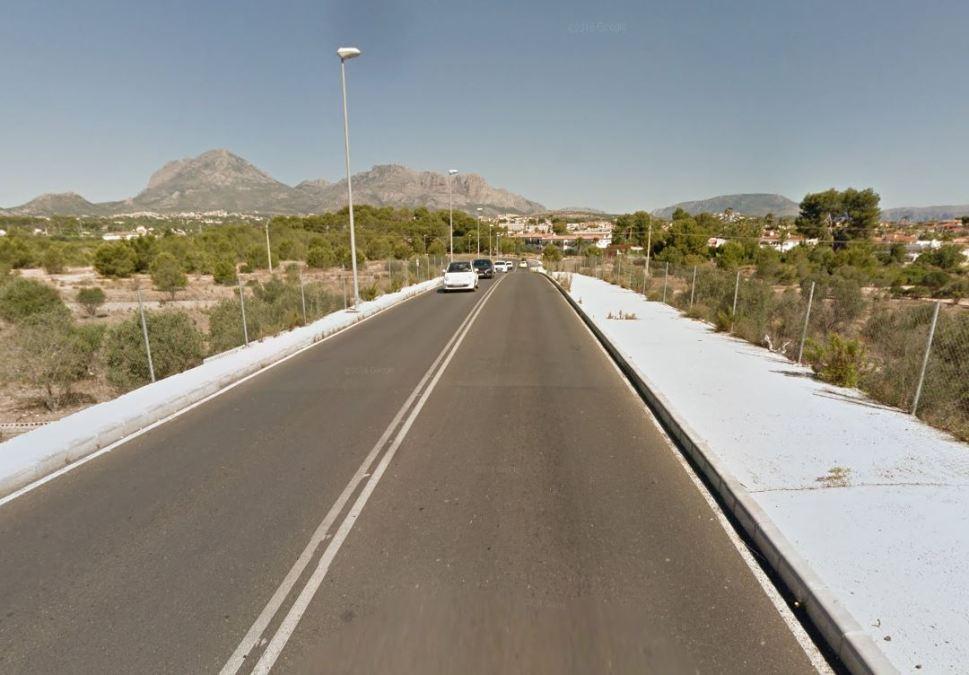 El Ayuntamiento anuncia el corte de un carril en la nueva carretera de acceso a l'Alfàs desde la N-332