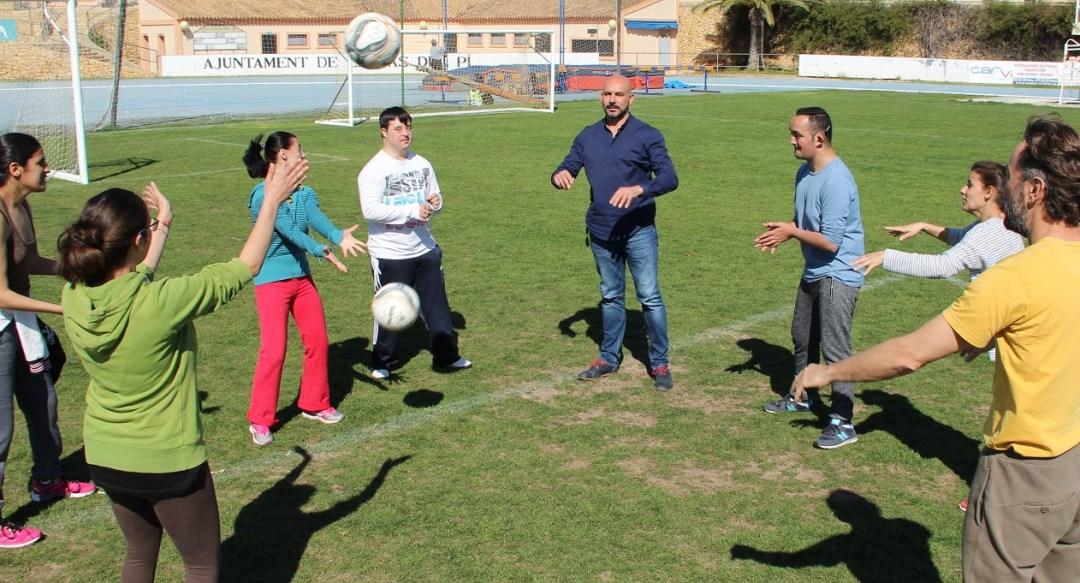 Los alumnos de APSA hacen deporte para mejorar sus cualidades físicas