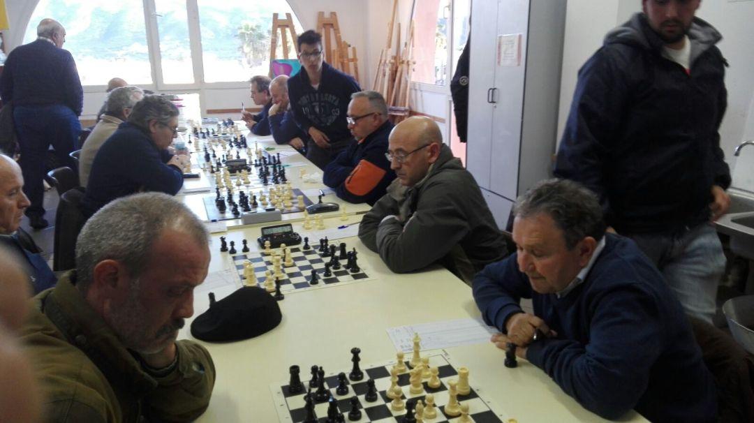 El  club de  ajedrez de l'Alfàs del Pi primero de la clasificación  amplia su ventaja en liga  autonómica sobre el segundo