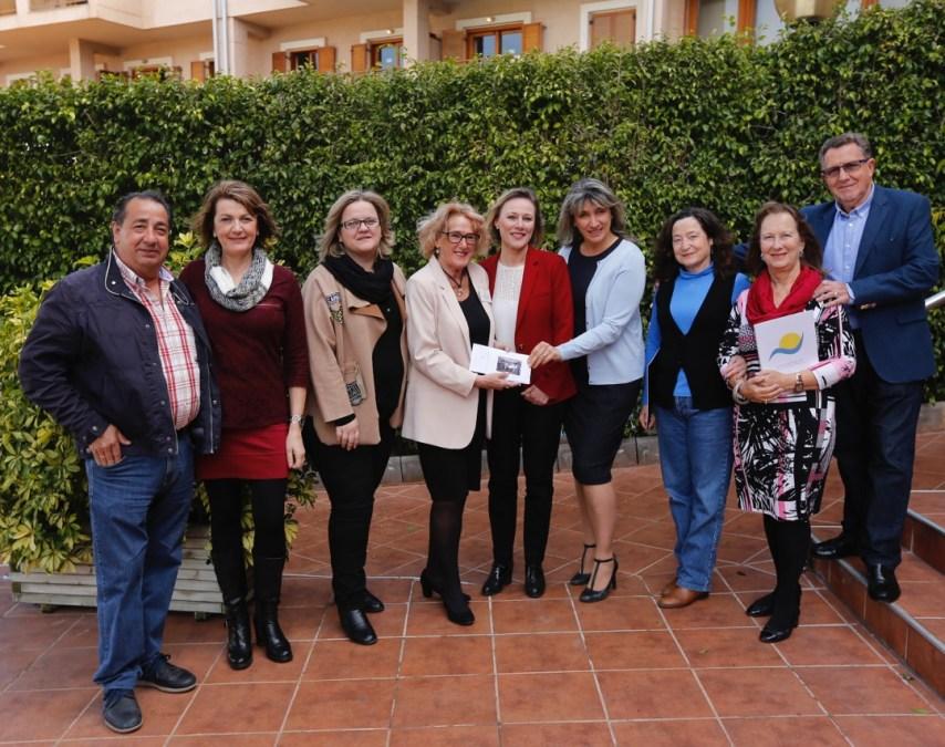 El voluntariado social de l'Alfàs del Pi recibe una importante aportación por parte del Club Companians