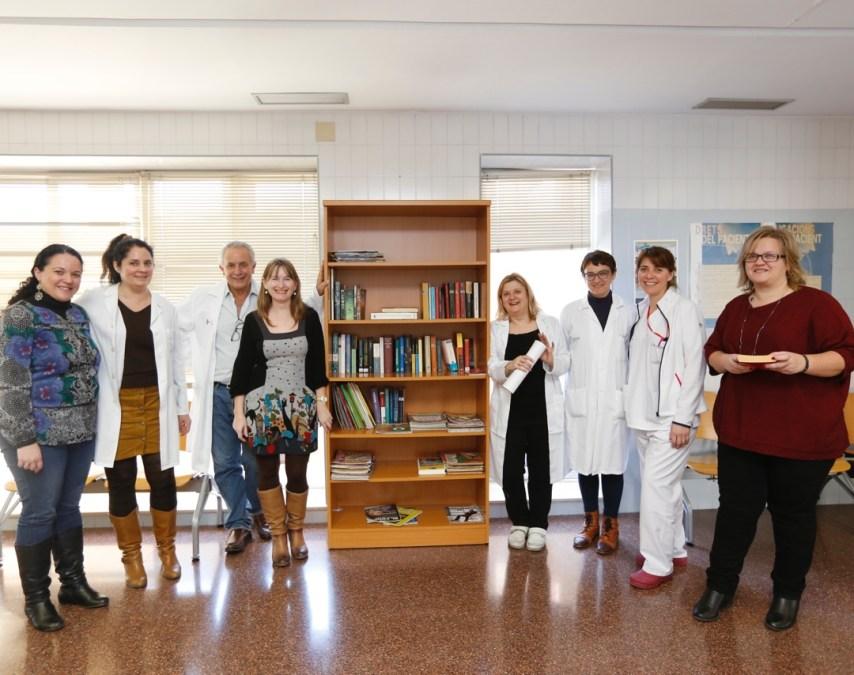 El Centro de Salud de l'Alfàs crea un servicio gratuito de préstamo de libros