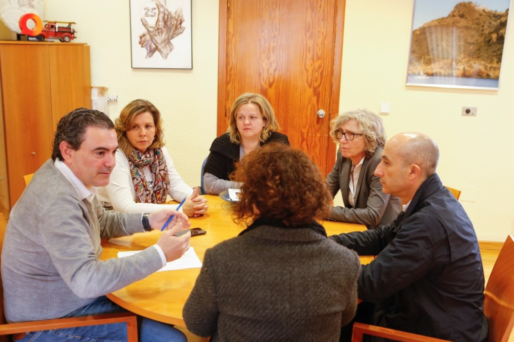 El alcalde se reúne con el nuevo director médico de Atención Primaria