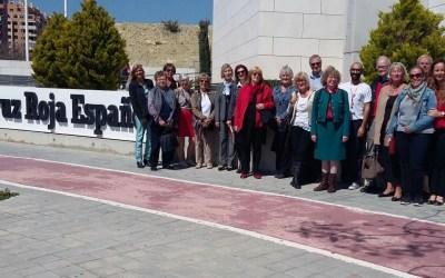 Las asociaciones de residentes de l'Alfàs del Pi realizan una visita a la Oficina Provincial de Cruz Roja Española en Alicante