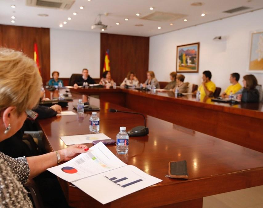 El Voluntariado Social de l'Alfás del Pi presenta su memoria de actividad al ayuntamiento y entidades colaboradoras