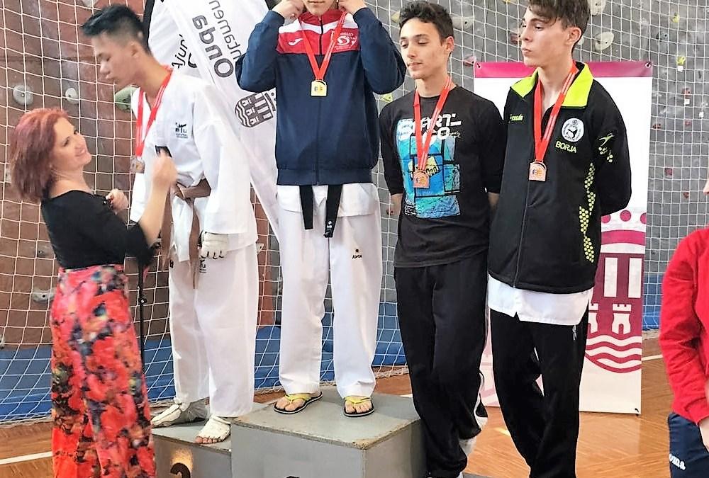Tres taekwondistas de l'Alfàs destacan en el Campeonato Autonómico celebrado en Onda Castellón con dos bronces y un oro.
