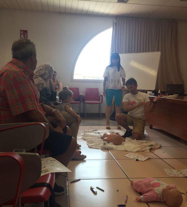 40 personas asisten al taller de primeros auxilios organizado por la concejalía de Inmigración-AMICS