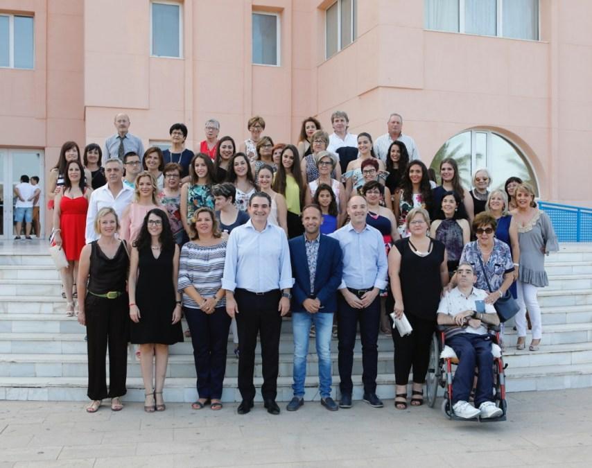 Una delegación de Pinoso visitó l'Alfàs para presentar en el Festival de Cine un documental por la integración social