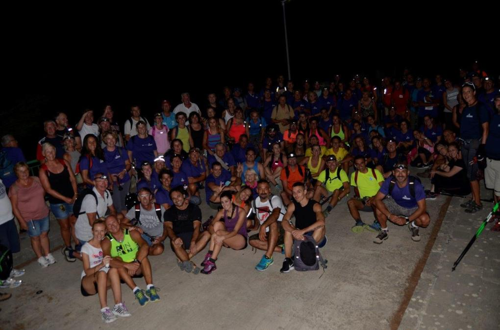 La X Caminata Nocturna reúne a dos centenares de personas