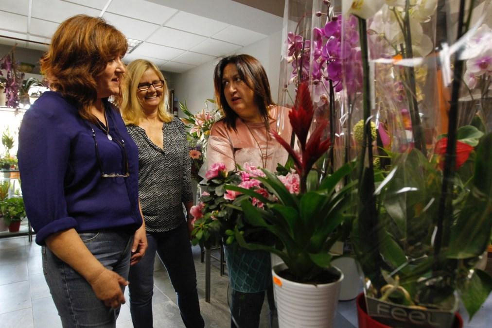 Las floristerías de l'Alfàs tendrán horario especial los días previos a Todos los Santos