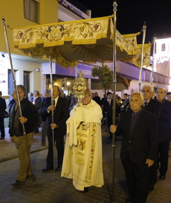 Las fiestas de l'Alfàs combinan los actos lúdicos con el fervor al Santísimo Cristo del Buen Acierto