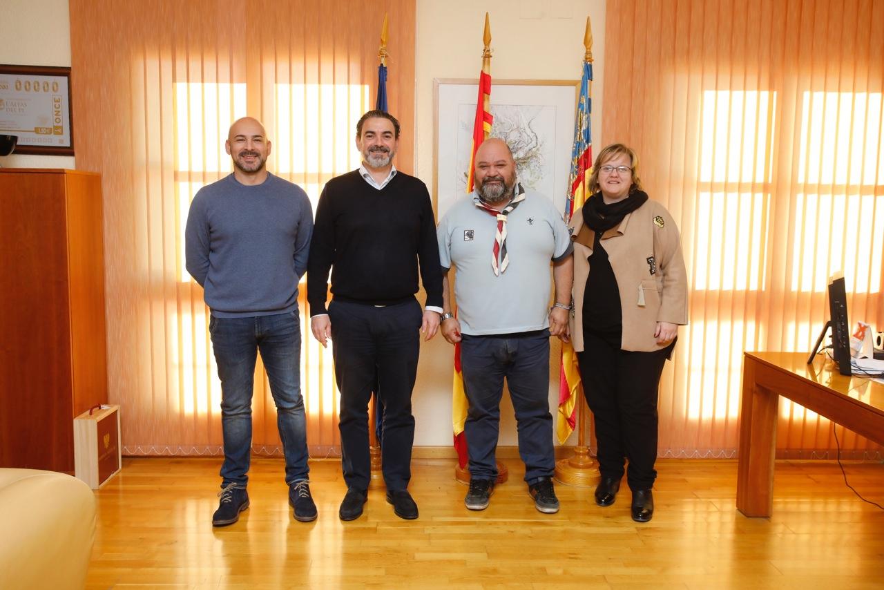 El Ayuntamiento de l'Alfàs del Pi con el movimiento scout