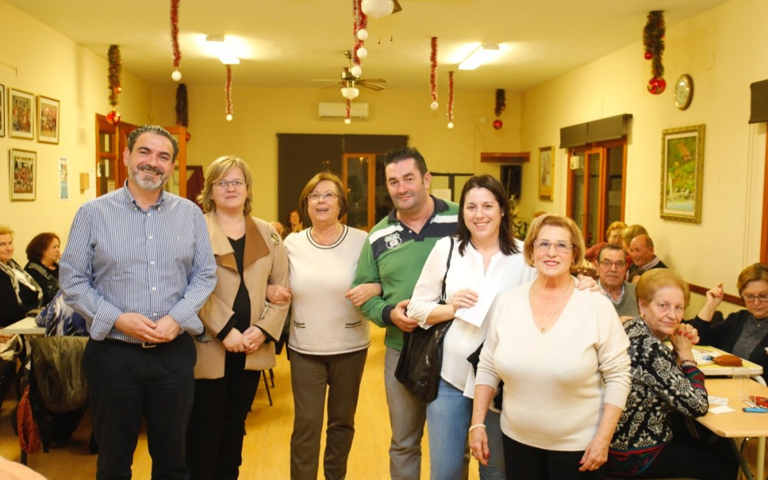 Los jubilados del Hogar del Pensionista de l'Alfàs del Pi donan 500 euros a la Asociación Integra