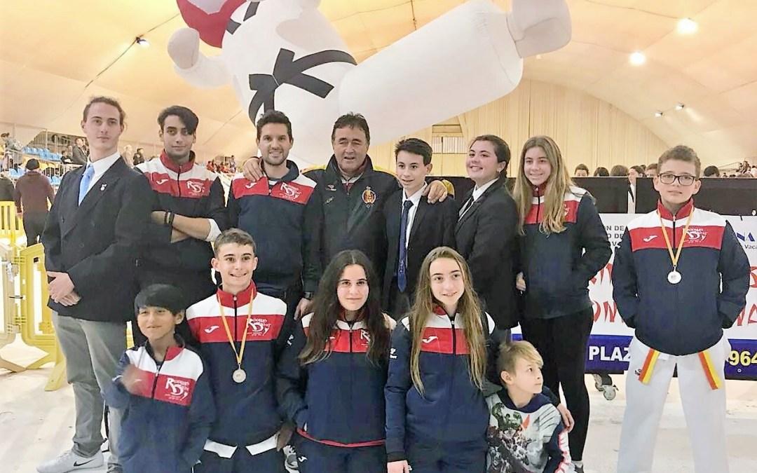 El Club Neptuno de Taekwondo ha conseguido un  Oro, tres Platas y ocho Bronces en la jornada de la Liga Valenciana celebrada en Castellón.