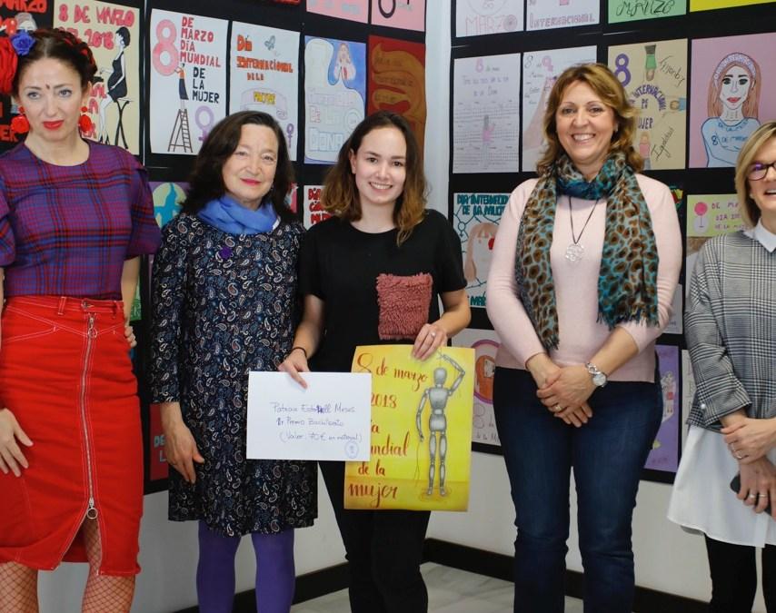 Patricia Estornell Mesas gana el concurso de carteles organizado por Igualdad para la Semana de la Mujer