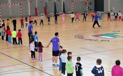 El fútbol sala sigue buscando nuevos jugadores entre los alumnos de los centros escolares de l'Alfàs del Pi.