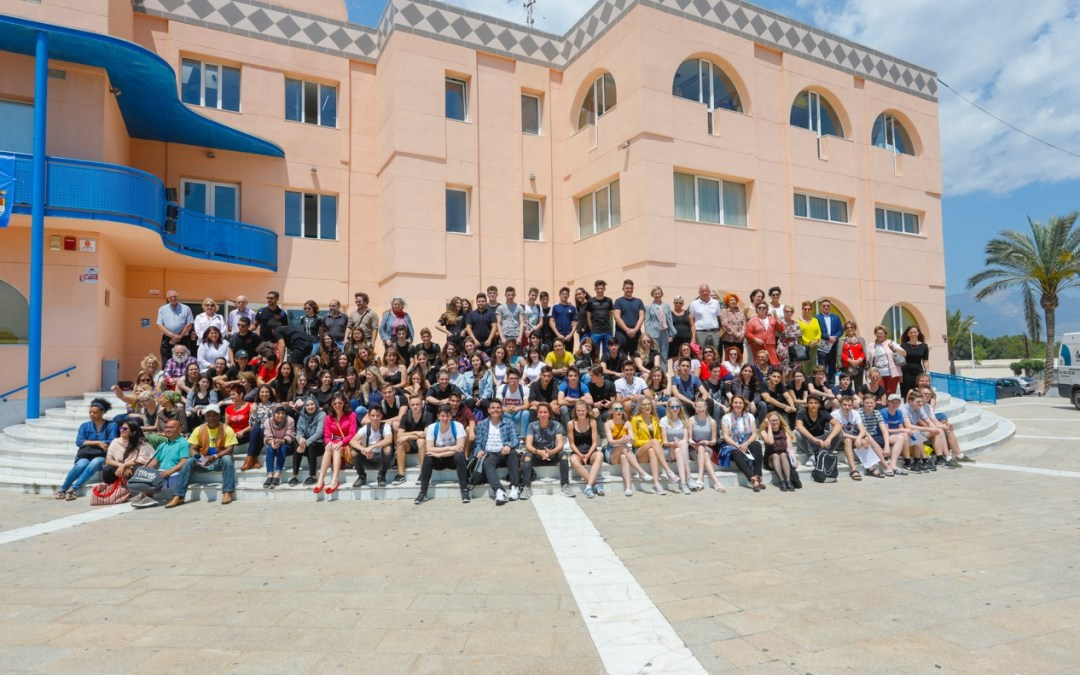 Los jóvenes protagonistas del Día de Europa en l'Alfàs del Pi