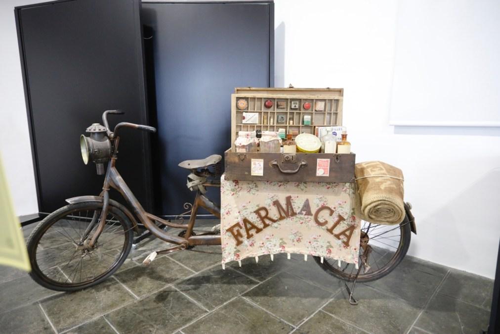 La exposición 'La dona i la bicicleta' ya puede visitarse en el Espai Cultural Escoles Velles