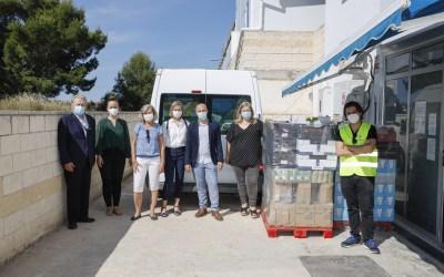 El Club Rotary Internacional de l'Alfàs del Pi dona al Banco de Alimentos productos por valor de mil euros