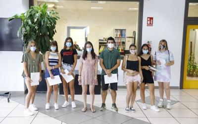 Juventud entrega los certificados del curso de manipulador de alimentos