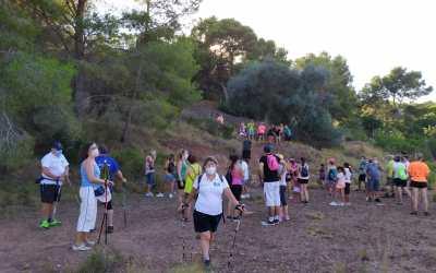 Récord de participación en la 'Caminata Verde' celebrada entre árboles singulares de l'Alfàs