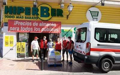 Hiperber dona a Cruz Roja de l'Alfàs 200 kilos de alimentos