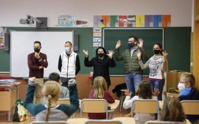 Talleres y cuentacuentos para fomentar la integración en el aniversario de l'Alfàs Ciudad Educadora