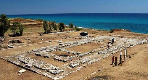 costa dei gelsomini Area archeologica di Kaulon