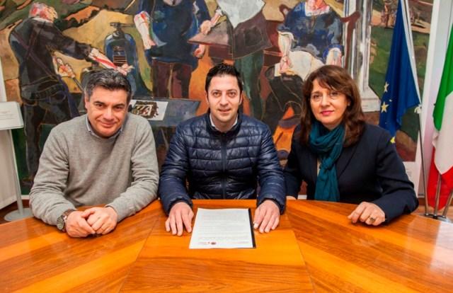 """Anche Fano firma il protocollo per l'apertura di """"Sportelli Immigrazione"""""""