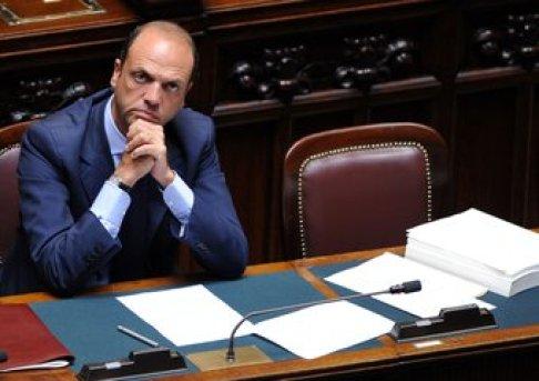 Venerdì a Fano il ministro Alfano presenta il suo libro