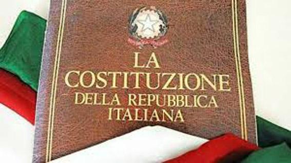 La Costituzione italiana letta ai giovani da un magistrato