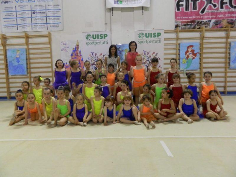 Senigallia, una grande festa e tanti applausi al saggio finale delle ginnaste della Uisp
