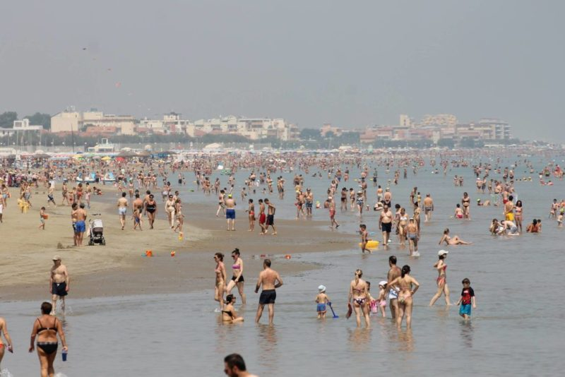 Sole, caldo, bel tempo: finalmente tutti al mare