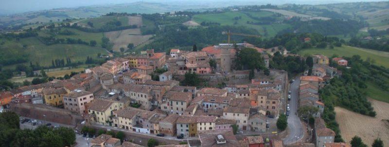 Continua lo scontro sull'unificazione: a Mondolfo i diplomi, a Marotta i milioni