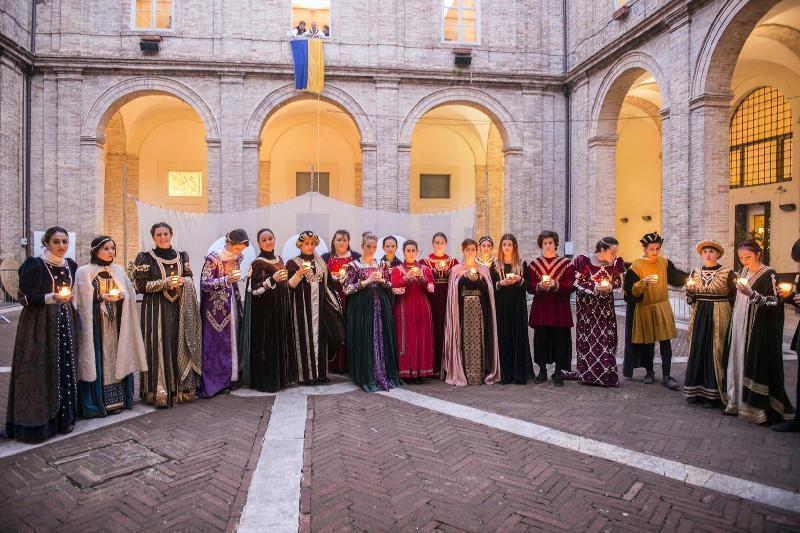 A Urbino il Cortile del Collegio Raffaello merita più attenzione