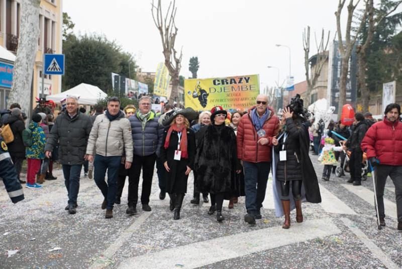 FANO / Esordio da record per il nuovo Carnevale