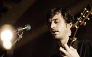 SAN LORENZO IN CAMPO / Venerdì per TeatrOltre Gareth Dickson in concerto