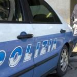 Dopo aver tentato il suicidio aggredisce un passante e gli agenti di polizia: ventiquattrenne denunciata a Fano