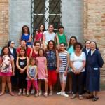 Tante ragazze al laboratorio di ricamo organizzato a Ostra