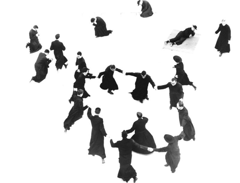 Da giovedì in mostra alla Biennale di Mosca 136 fotografie di Mario Giacomelli, della raccolta conservata dal Musinf di Senigallia