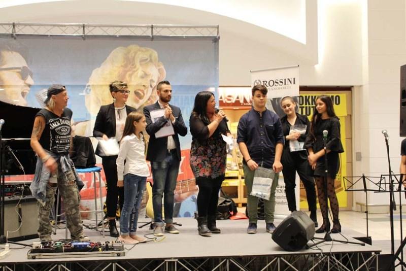 """La Galleria IperSimply di Senigallia ospita domenica la seconda tappa di """"Music Gallery"""""""