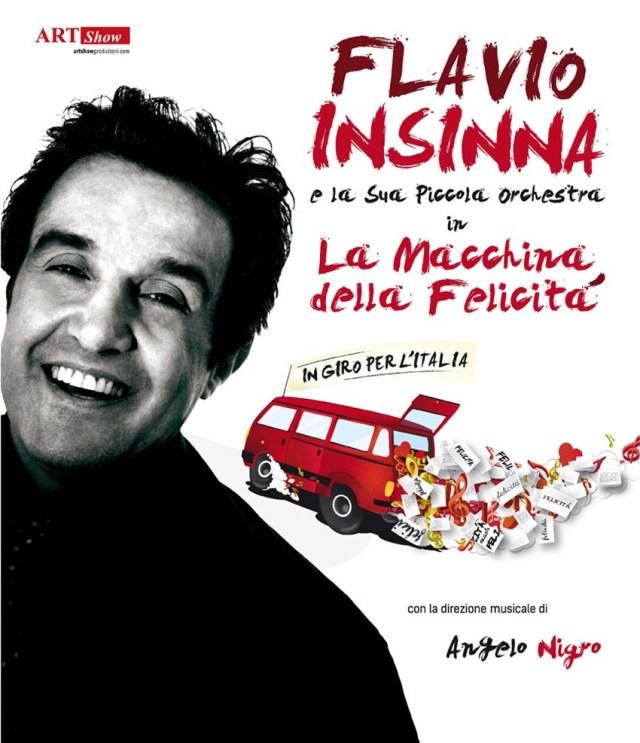 """Flavio Insinna e la sua Piccola Orchestra sabato a Cagli portano in scena """"La Macchina della Felicità"""""""