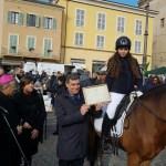 Nella ricorrenza di Sant'Antonio premiata a Fano la giovane amazzone Elisa Cenogastri